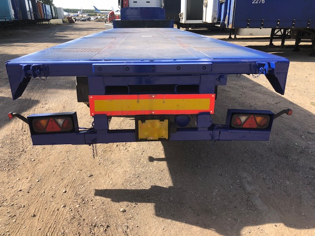 STEP FRAME FLAT TRI AXLE CARTWRIGHT 13 6M 2009 STOCK NO 108305