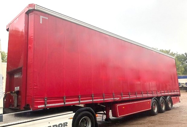 CURTAINSIDER TRI AXLE SDC 4 68M 2014 STOCK NO 108319
