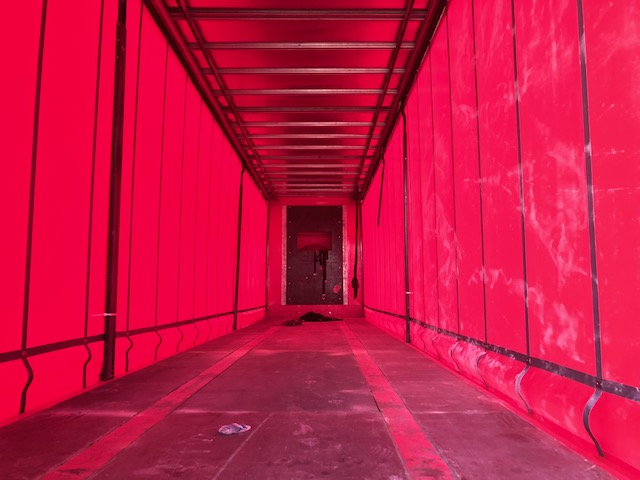 TRI AXLE SDC CURTAINSIDER 4.48M 2010 STOCK NO 108412