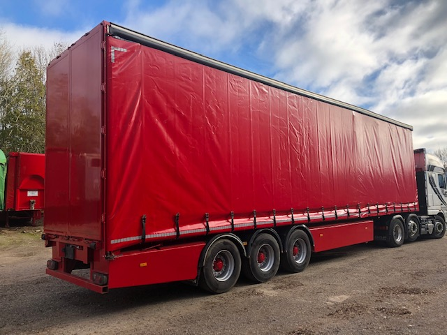 TRI AXLE SDC CURTAINSIDER 4 78M 2010 STOCK NO 108413