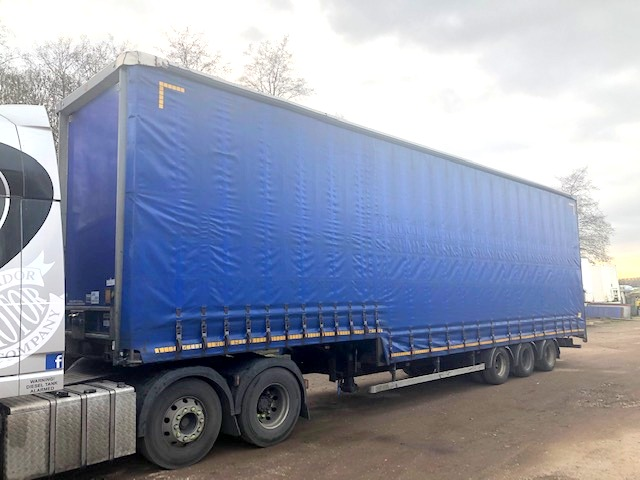 CURTAINSIDE DOUBLE DECK TRI AXLE CARTWRIGHT 4 8M 2008 STOCK NO 108491