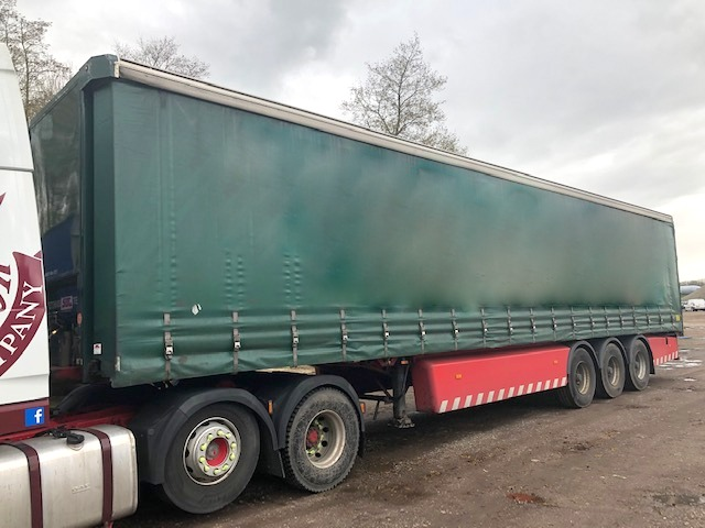 CURTAINSIDER TRI AXLE SDC 4M 2010 STOCK NO 108561