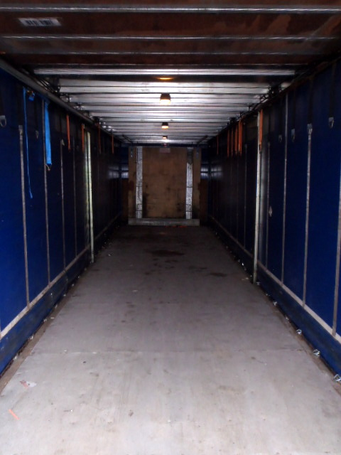 CURTAINSIDER.TANDEM AXLE.SDC.4M.2005.COLLUM TAIL LIFT STOCK NO 76294