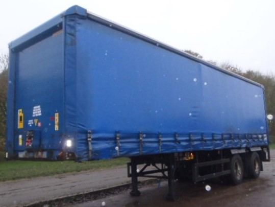 CURTAINSIDER.TANDEM AXLE.SDC.4M.2005.COLLUM TAIL LIFT STOCK NO 76251
