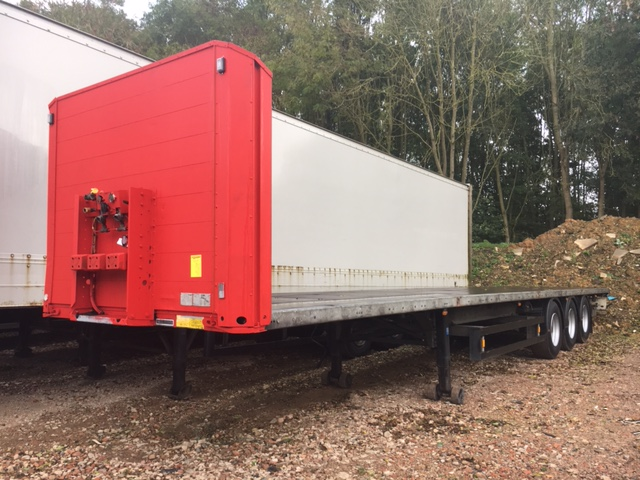 FLAT WITH SOCKETS TRI AXLE SCHMITZ 2007 STOCK NUMBER 86981