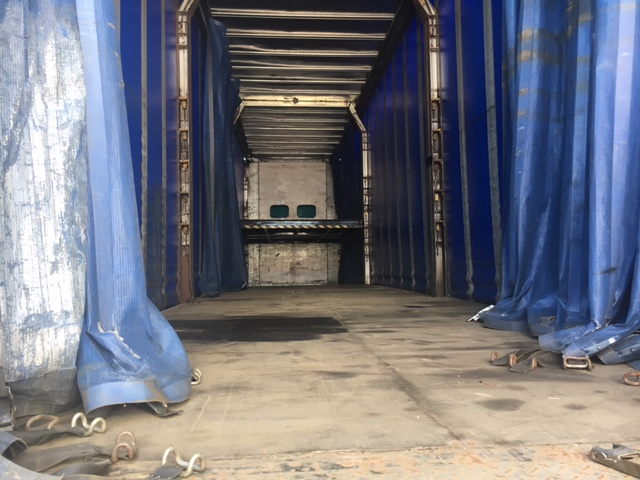 CURTAINSIDE RATCHET DOUBLE DECK TRI AXLE DON BUR 4 88M 2004 STOCK NO 97580