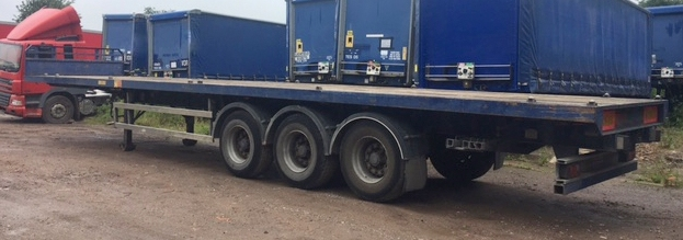 FLAT WITH TWIST LOCKS AND SOCKETS TRI AXLE MONTRACON 2009 STOCK NUMBER 97633