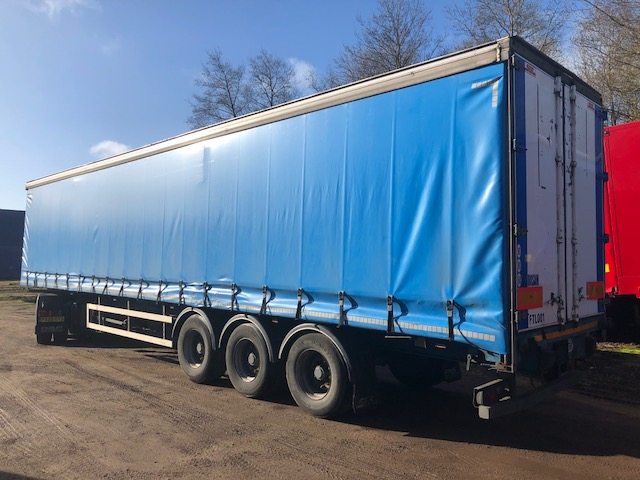 CURTAINSIDER TRI AXLE SDC 4M 2009 STOCK NO 98073