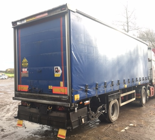 CURTAINSIDER TANDEM AXLE SDC 4M 2009 SLIDE AWAY TAIL LIFT STOCK NO 97856