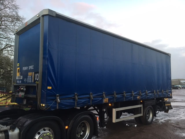 CURTAINSIDER TANDEM AXLE SDC 4M 2009 SLIDE AWAY TAIL LIFT STOCK NO 97855