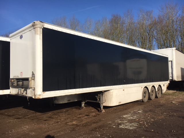 TRI AXLE CARTWRIGHT TAIL LIFT BOX VAN 4M 2009 CJC STOCK NO 97922