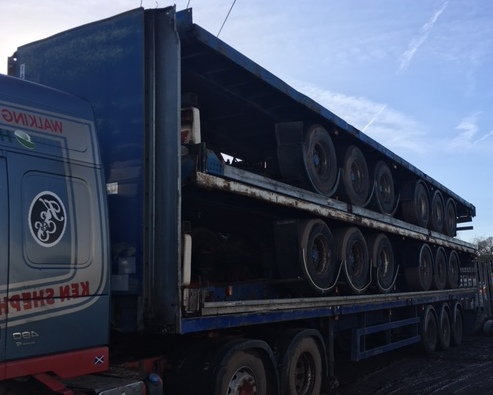 EXPORT STACK OF 5 FLATS TRI AXLE ROR AXLES STACK NO 889
