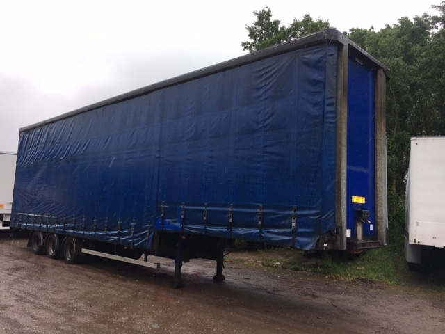 CURTAINSIDE DOUBLE DECK TRI AXLE OVERLANDER 4 75M 2005 STOCK NO 97602