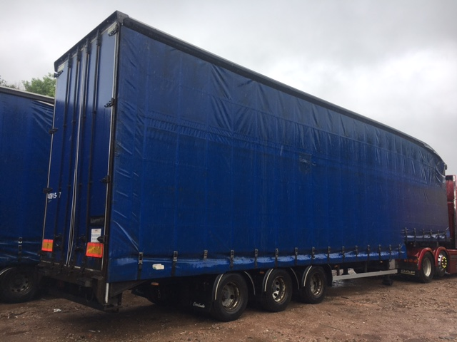 CURTAINSIDE DOUBLE DECK TRI AXLE OVERLANDER 4 75M 2005 STOCK NO 97603