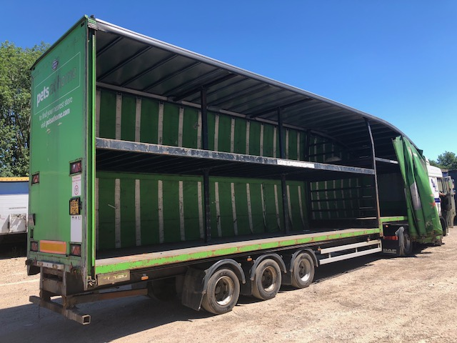 CURTAINSIDE DOUBLE DECK TRI AXLE CARTWRIGHT 4.81M 2009 STOCK NO 108301