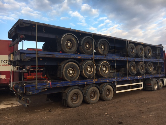 EXPORT.STACK OF 5 FLATS.TRI AXLE.ROR AXLES.STACK NO 811