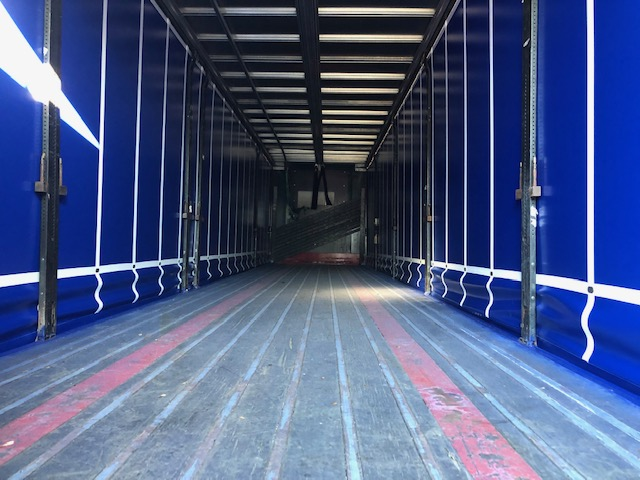 CURTAINSIDER TRI AXLE SDC 4M 2010 STOCK NO 108564