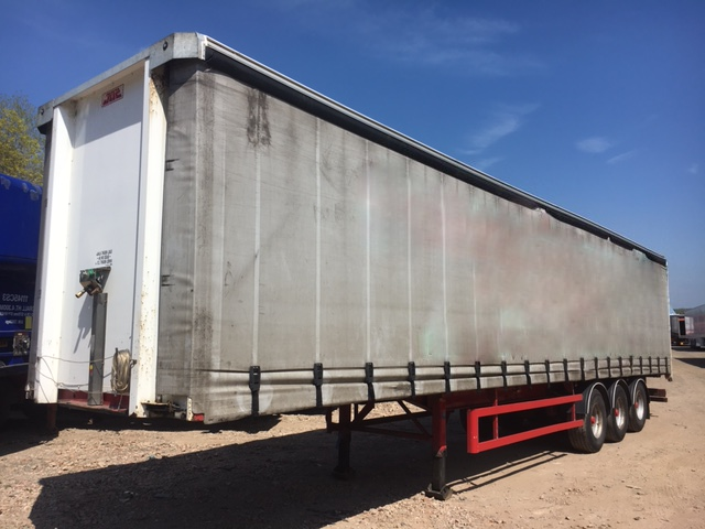 CURTAINSIDER TRI AXLE SDC 4M 2010 STOCK NO 87504