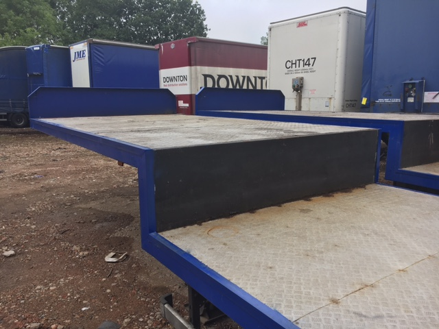 STEP FRAME FLAT TRI AXLE CONCEPT 13 6M 2006 STOCK NO 87263