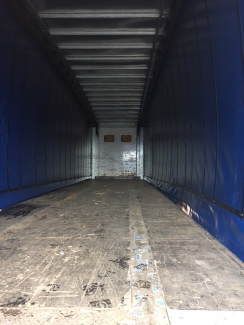 CURTAINSIDER TRI AXLE SDC 4 55M 2005 STOCK NUMBER 97685