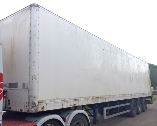 TRI AXLE SDC TAIL LIFT BOX VAN 4.2M 2005 CJC STOCK NO 97703