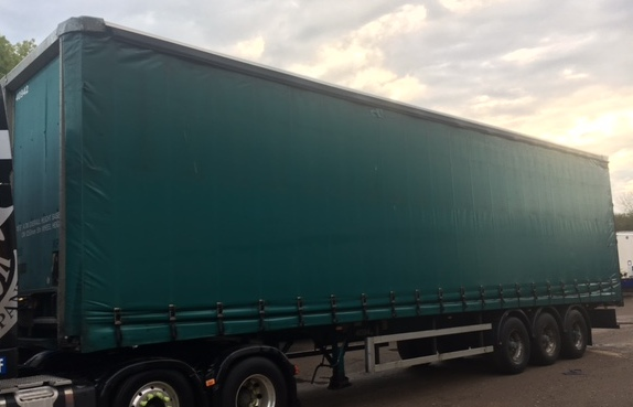 CURTAINSIDER M&G TRI AXLE 4 7M 2007 STOCK NUMBER 97720