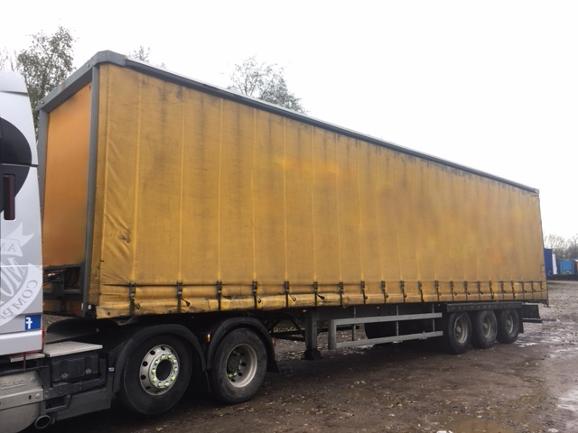 CURTAINSIDER TRI AXLE SDC 4 5M 2011 STOCK NO 97806