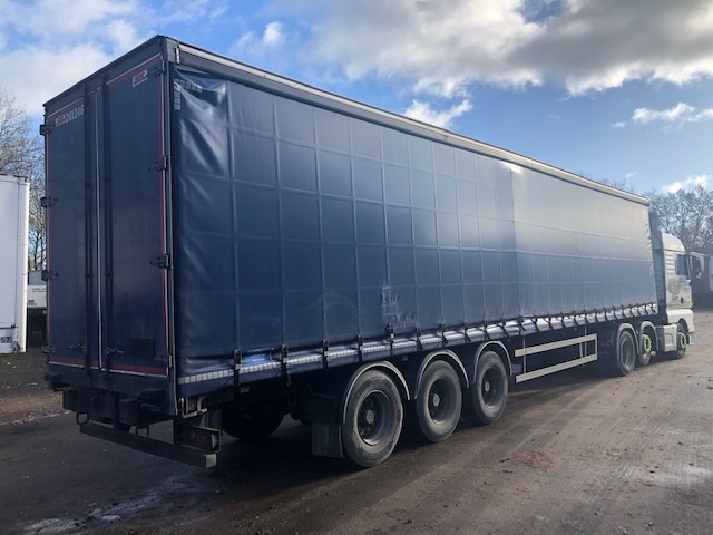 CURTAINSIDER TRI AXLE SDC 4 2M 2012 STOCK NO 119134