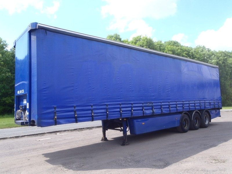 CURTAINSIDER.TRI AXLE.SDC.4.425M.2005.STOCK NO 65631
