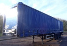 CURTAINSIDE TAIL LIFTS