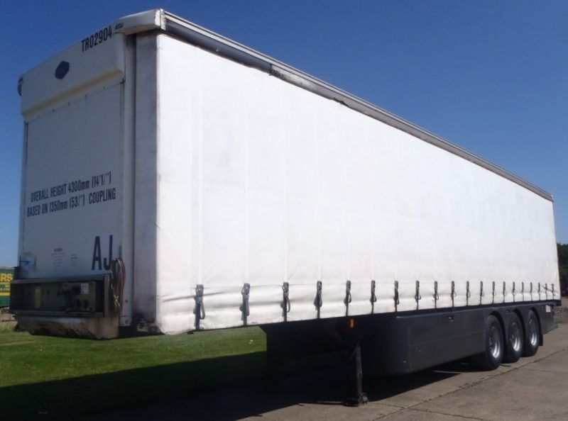 CURTAINSIDER TRI AXLE CARTWRIGHT 4 2M 2005 STOCK NO 97581