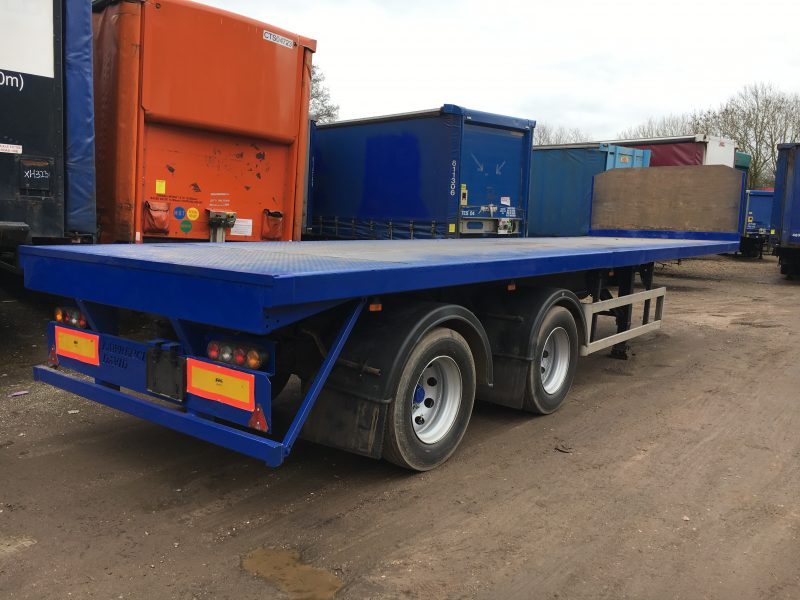 10M FLAT TRAILER TANDEM AXLE SDC 2005 STOCK NO 76637