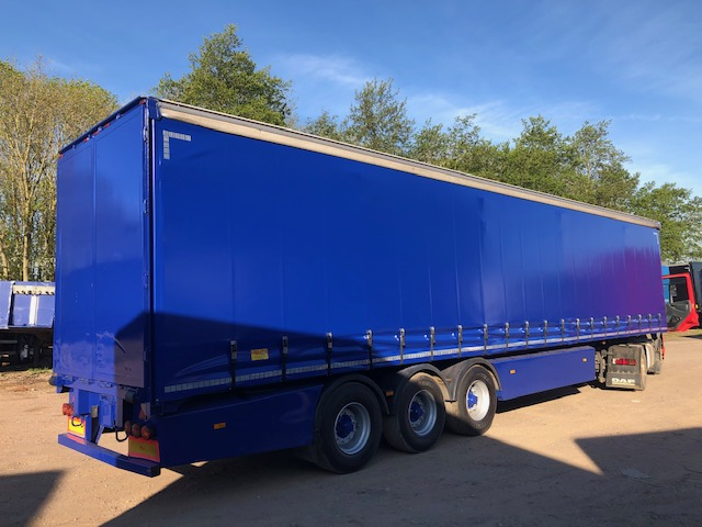 CURTAINSIDER TRI AXLE SDC 4M 2011 STOCK NO 119430