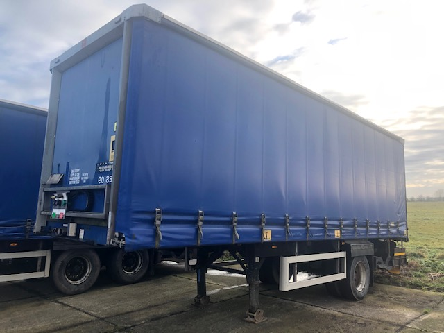 CURTAINSIDER SINGLE AXLE SDC 4M 2009 SLIDE AWAY TAIL LIFT STOCK NO 119285