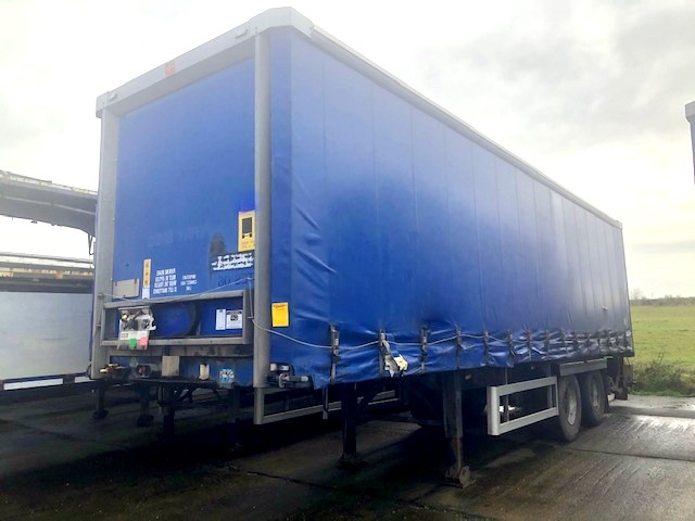CURTAINSIDER TANDEM AXLE SDC 4M 2008 SLIDE AWAY TAIL LIFT STOCK NO 119228